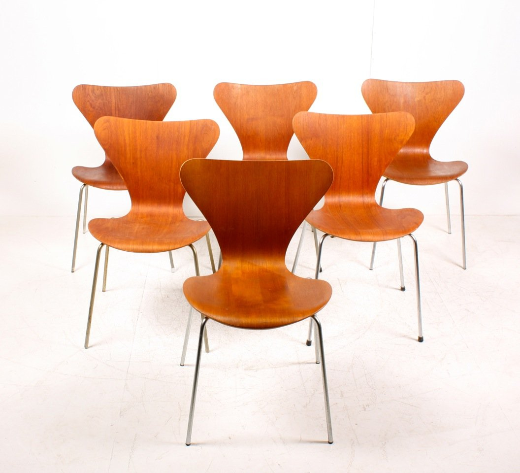 danish series 7 teak dining chairs by arne jacobsen for. Black Bedroom Furniture Sets. Home Design Ideas