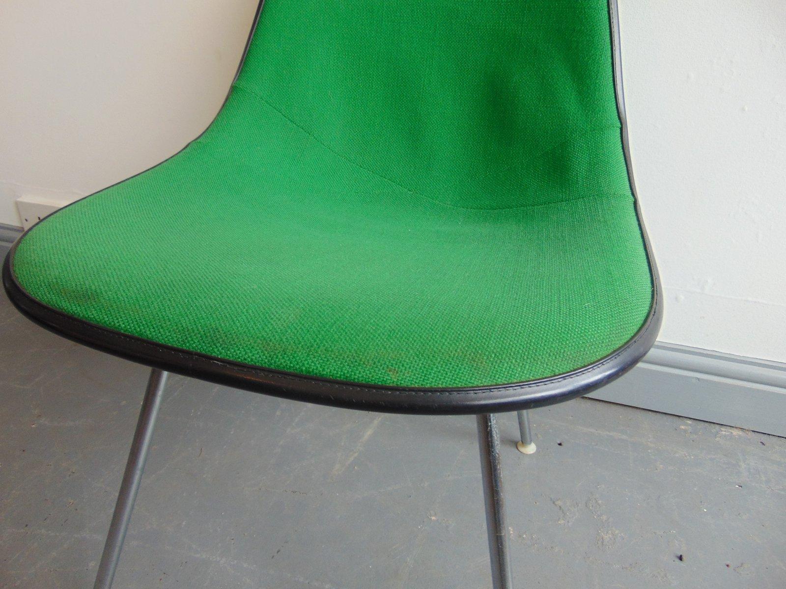 gr ner vintage stuhl von charles und ray eames f r herman. Black Bedroom Furniture Sets. Home Design Ideas