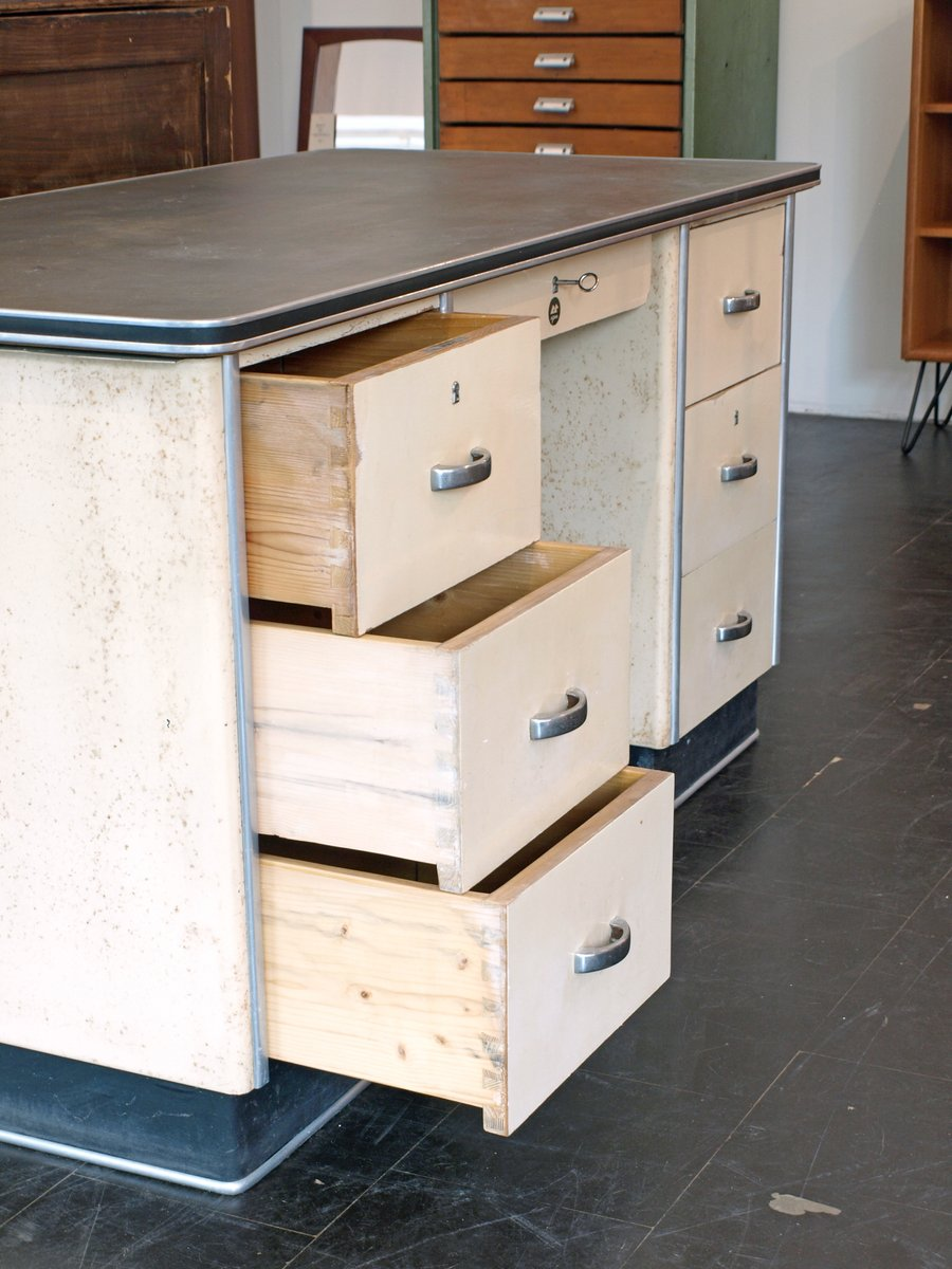 deutscher bauhaus schreibtisch von admi bei pamono kaufen. Black Bedroom Furniture Sets. Home Design Ideas