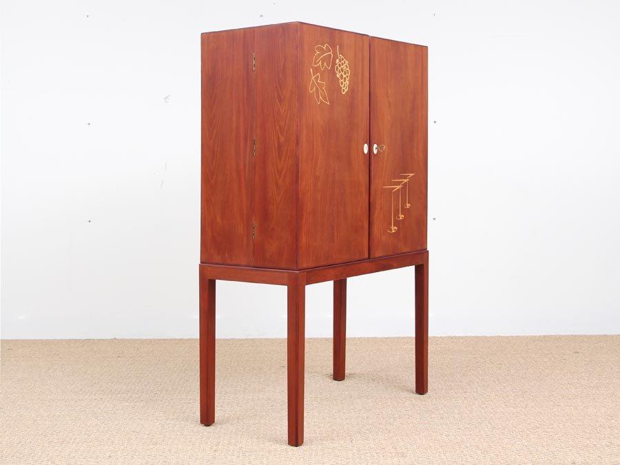 Mid-Century Modern Danish Teak Bar Cabinet, 1950s for sale at Pamono