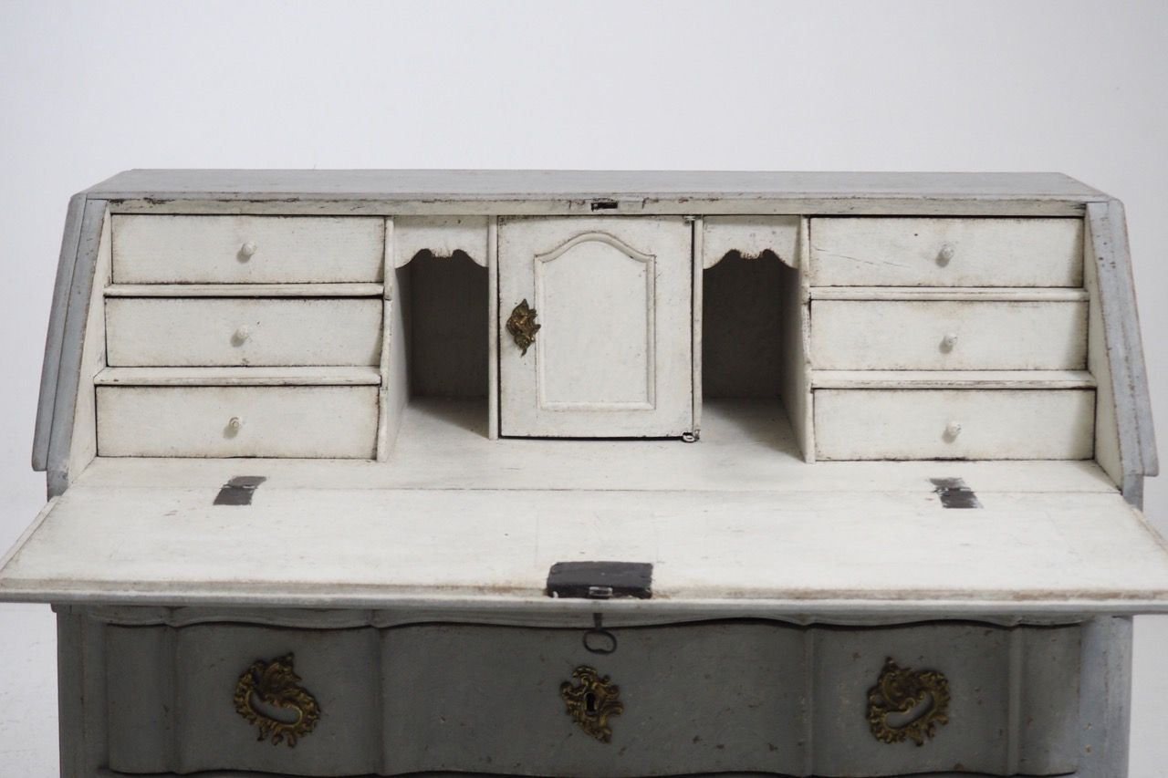 Carved scandinavian bureau with bronze hardware 1750s for for Bureau hardware