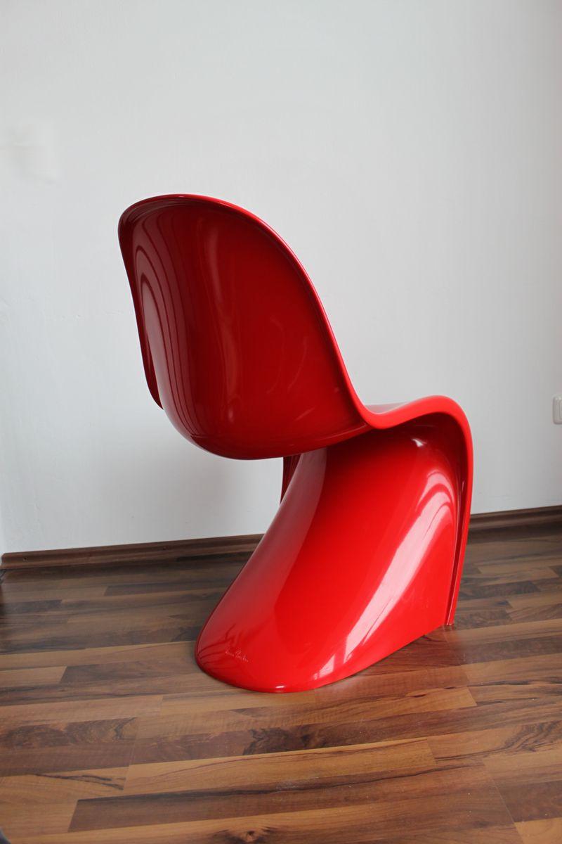 die kleinen roten st hle berpr fen m belideen. Black Bedroom Furniture Sets. Home Design Ideas