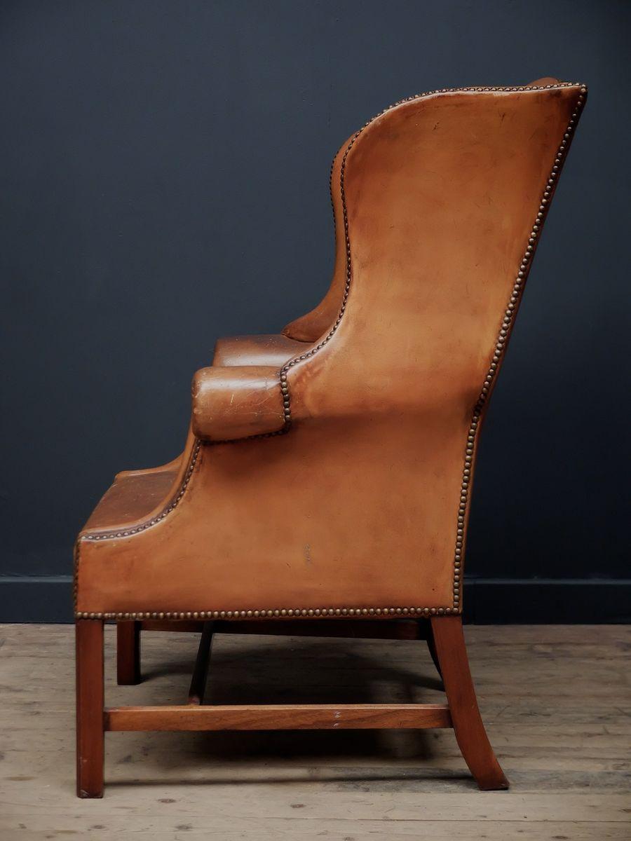 fauteuil oreilles en cuir marron angleterre 1920 en. Black Bedroom Furniture Sets. Home Design Ideas