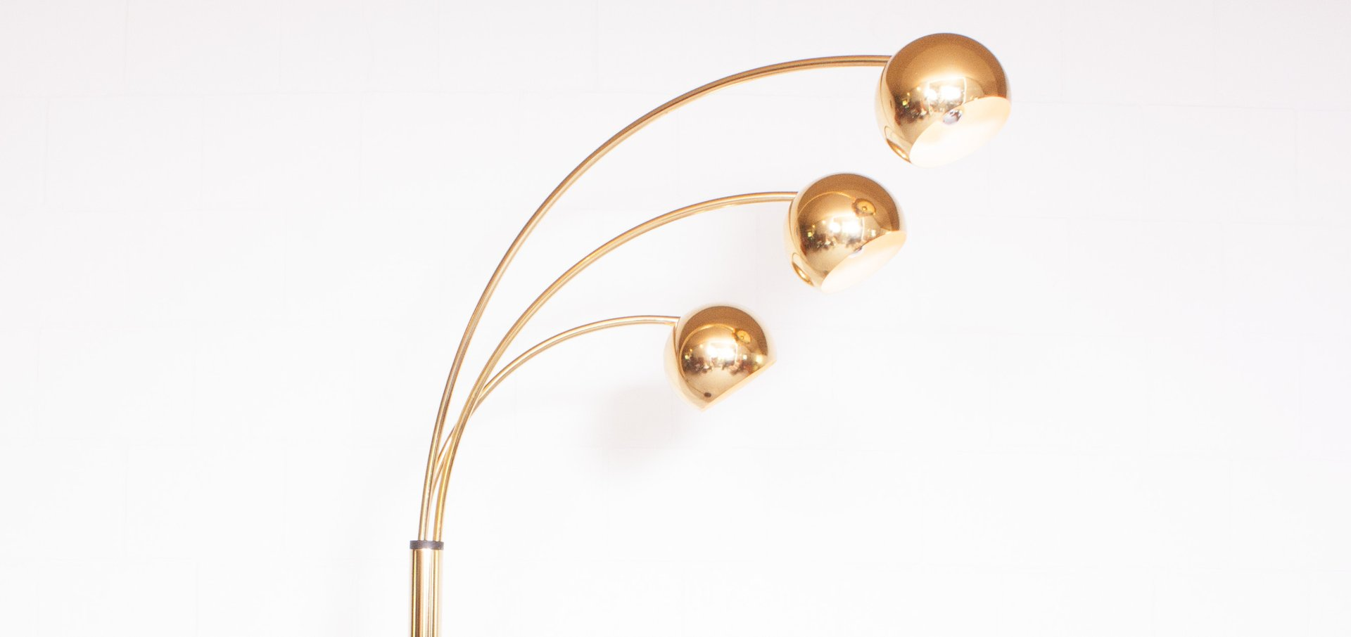 vintage brass arc floor lamp for sale at pamono. Black Bedroom Furniture Sets. Home Design Ideas