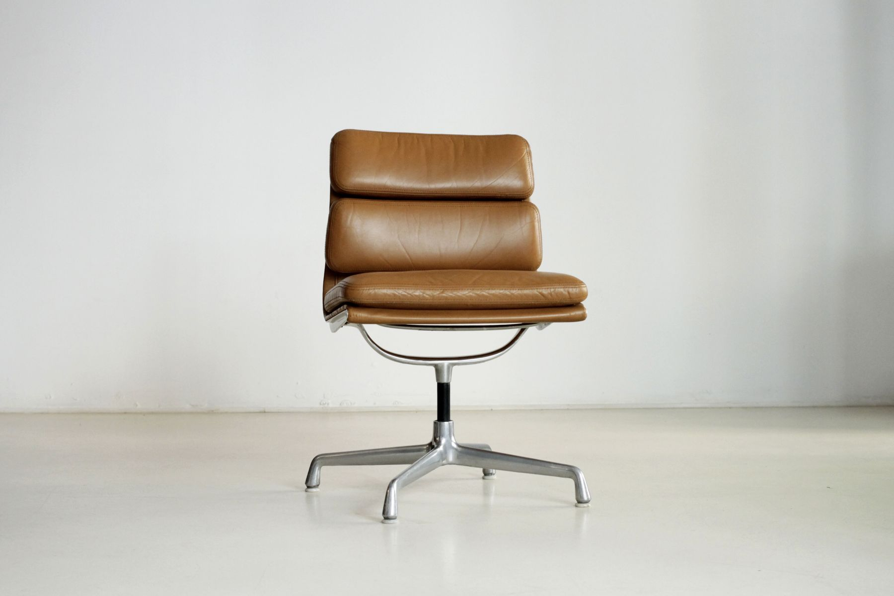 Cognac soft pad office chair by charles eames for herman miller for sale at p - Herman miller france ...