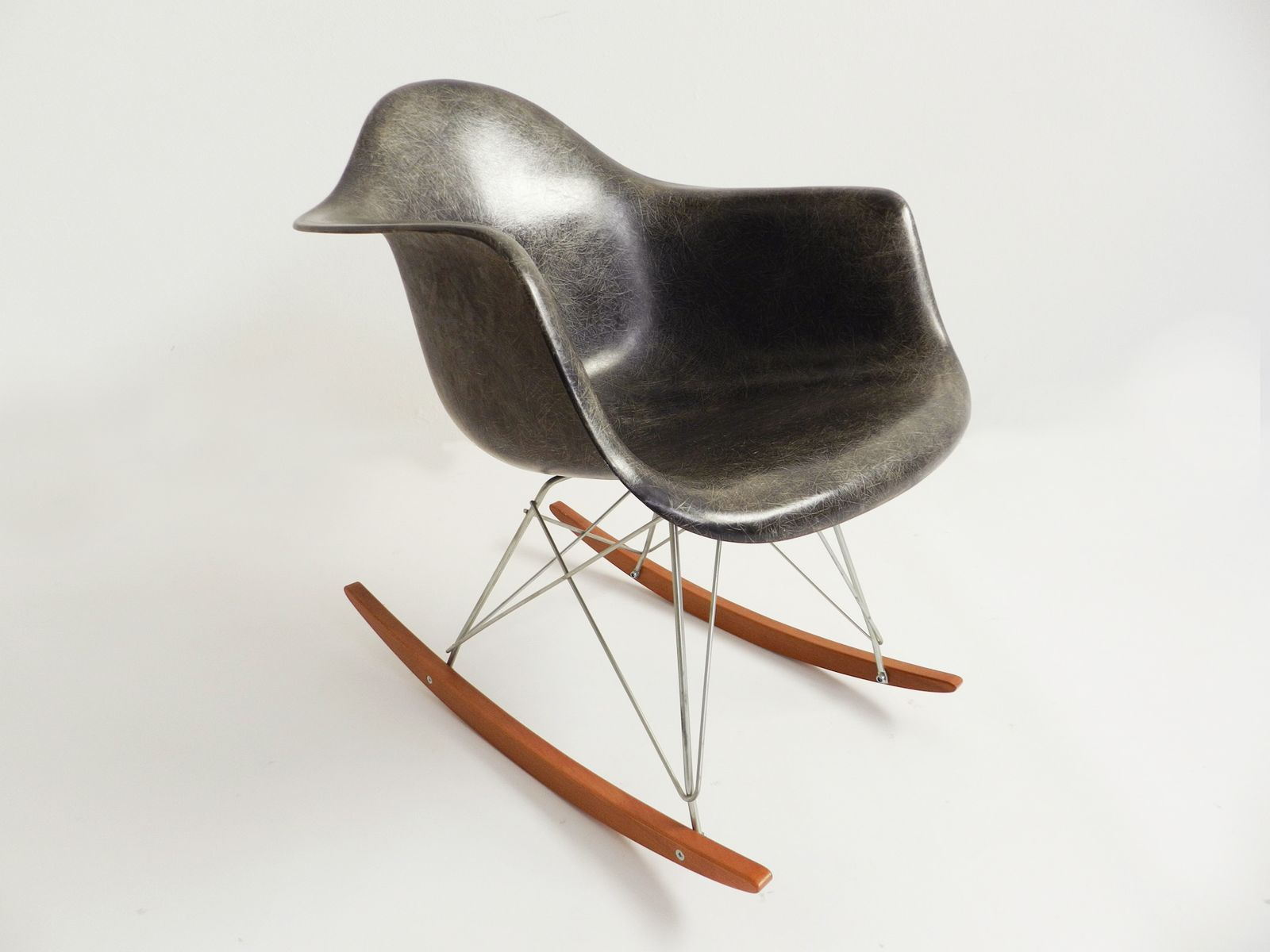 vintage rar rocking chair by charles ray eames for herman miller for