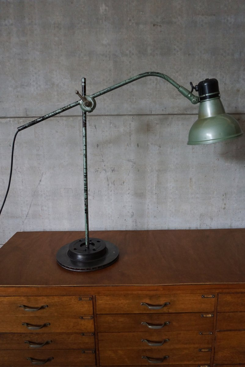 lampe de bureau industrielle de erpe belgique 1950s en vente sur pamono. Black Bedroom Furniture Sets. Home Design Ideas