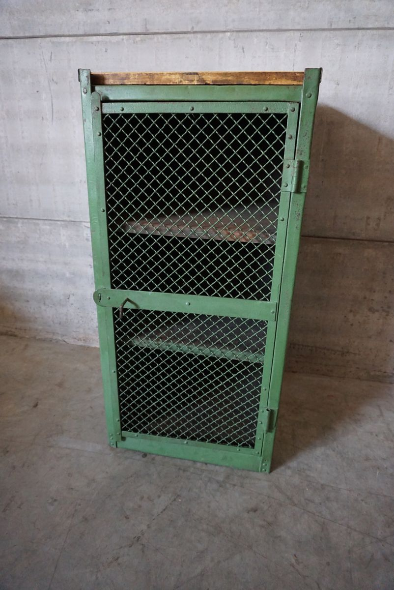 French metal workshop cabinet 1940s for sale at pamono for 1940s kitchen cabinets for sale