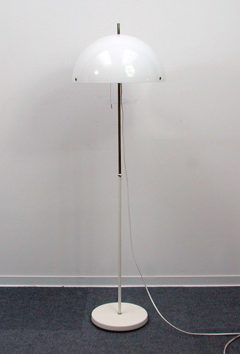 Mid century italian adjustable white floor lamp 1970s for sale at pamono for 1970s floor lamps