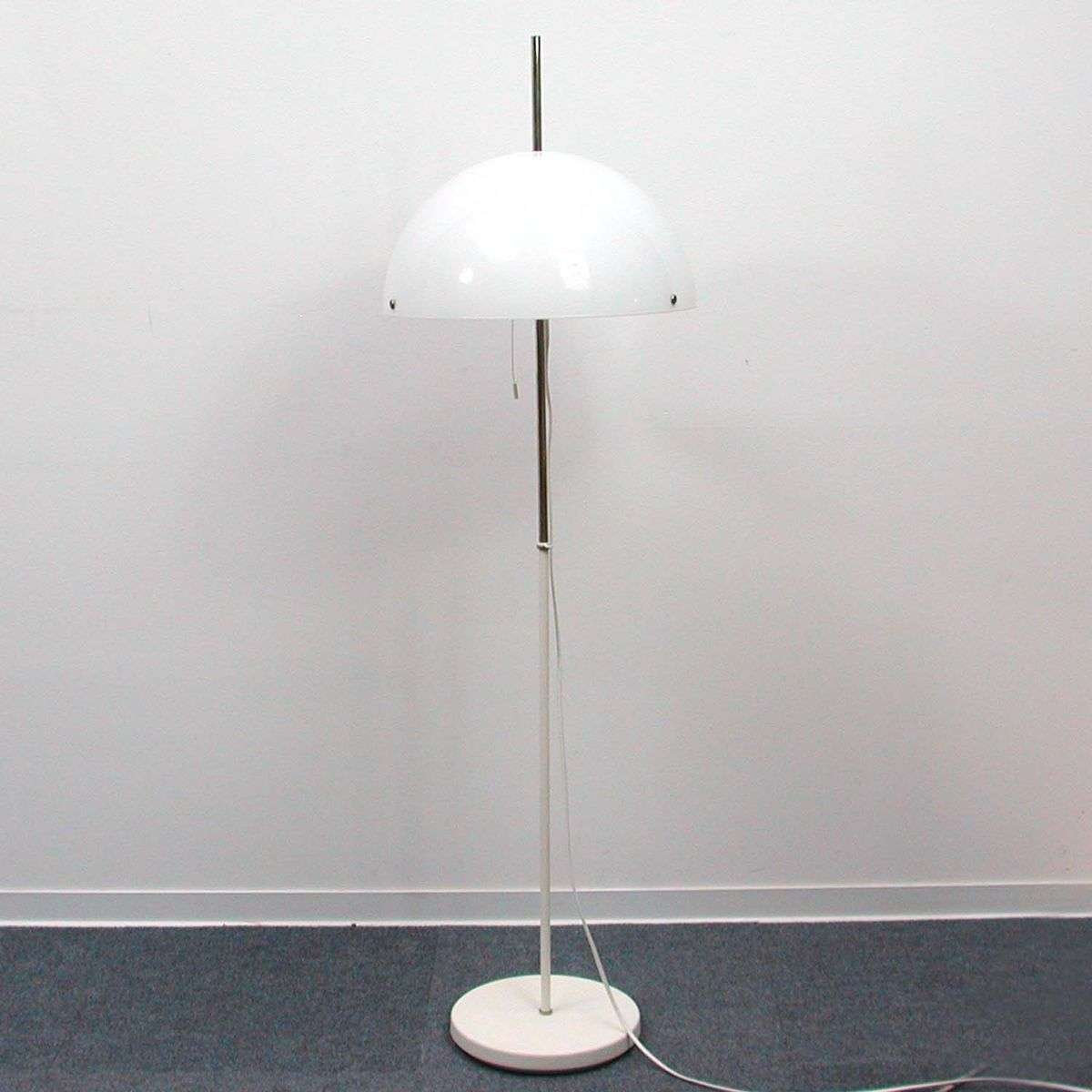 Mid century italian adjustable white floor lamp 1970s for for 8 floor lamp