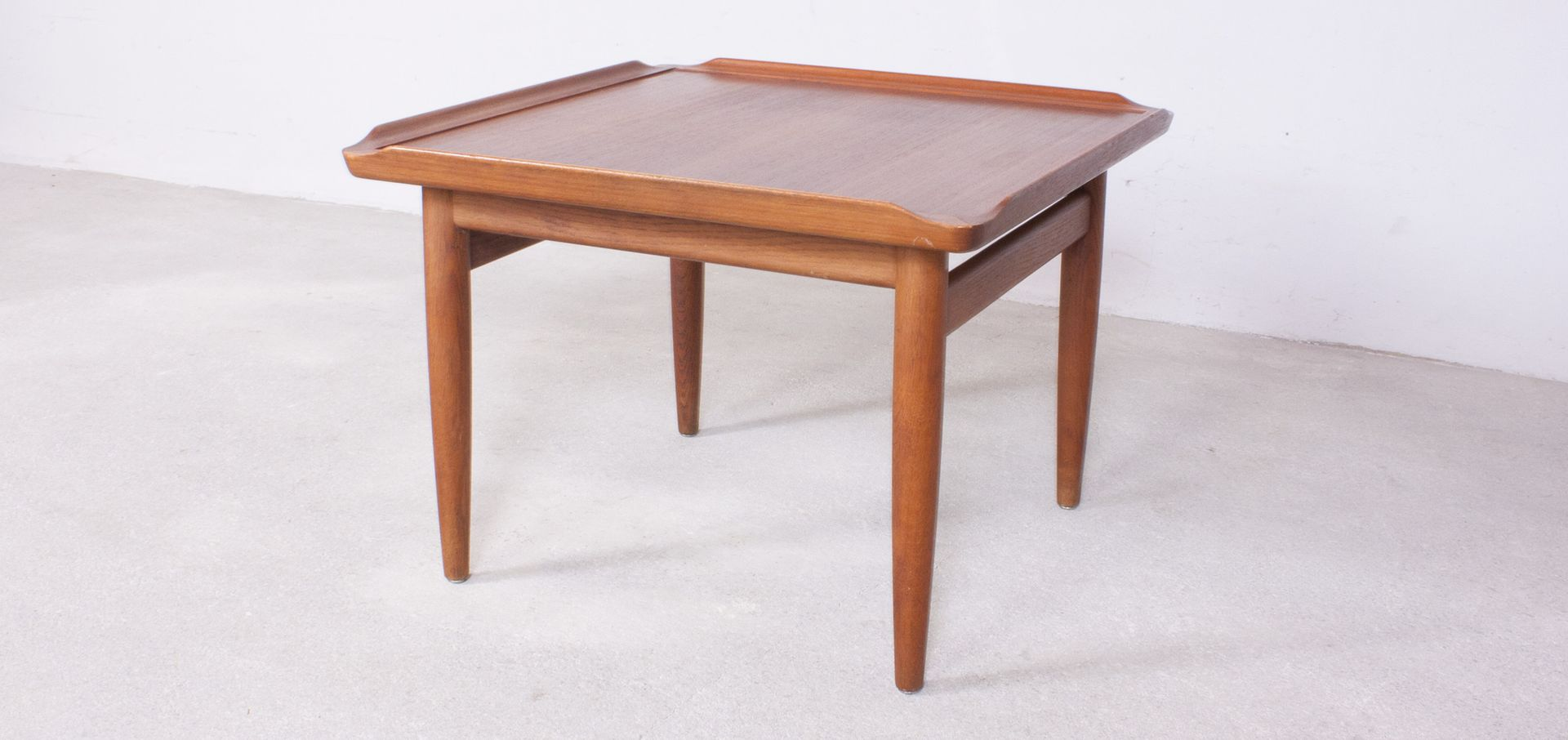 danish teak side table with surfboard edges by kurt Østervig for  - danish teak side table with surfboard edges by kurt Østervig for jasonmøbler s