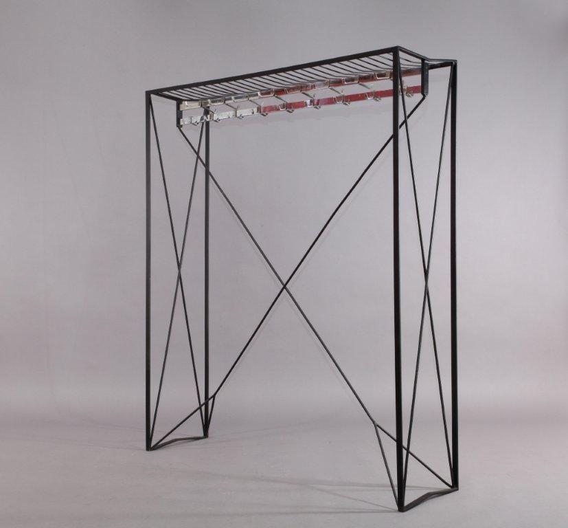flacher sterreichischer schrank aus eisen von roland rainer 1956 bei pamono kaufen. Black Bedroom Furniture Sets. Home Design Ideas