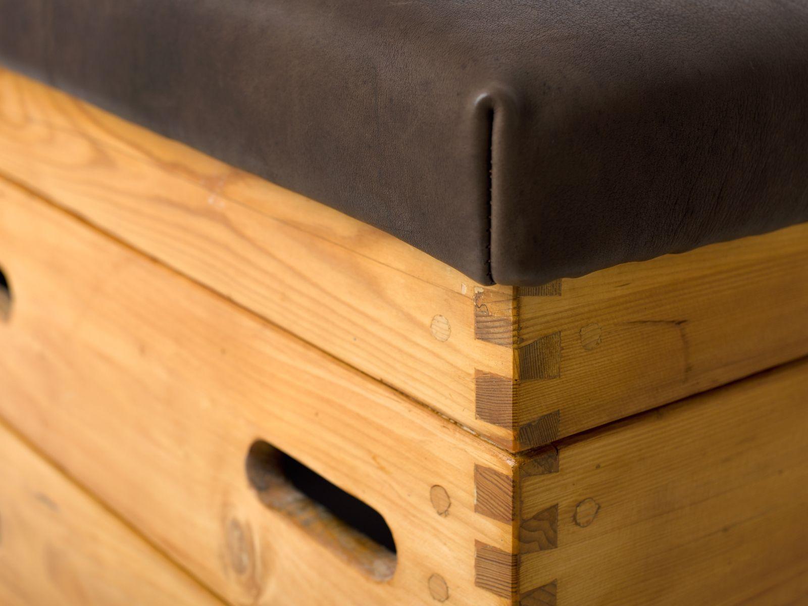 tschechischer turnkasten 1950 bei pamono kaufen. Black Bedroom Furniture Sets. Home Design Ideas