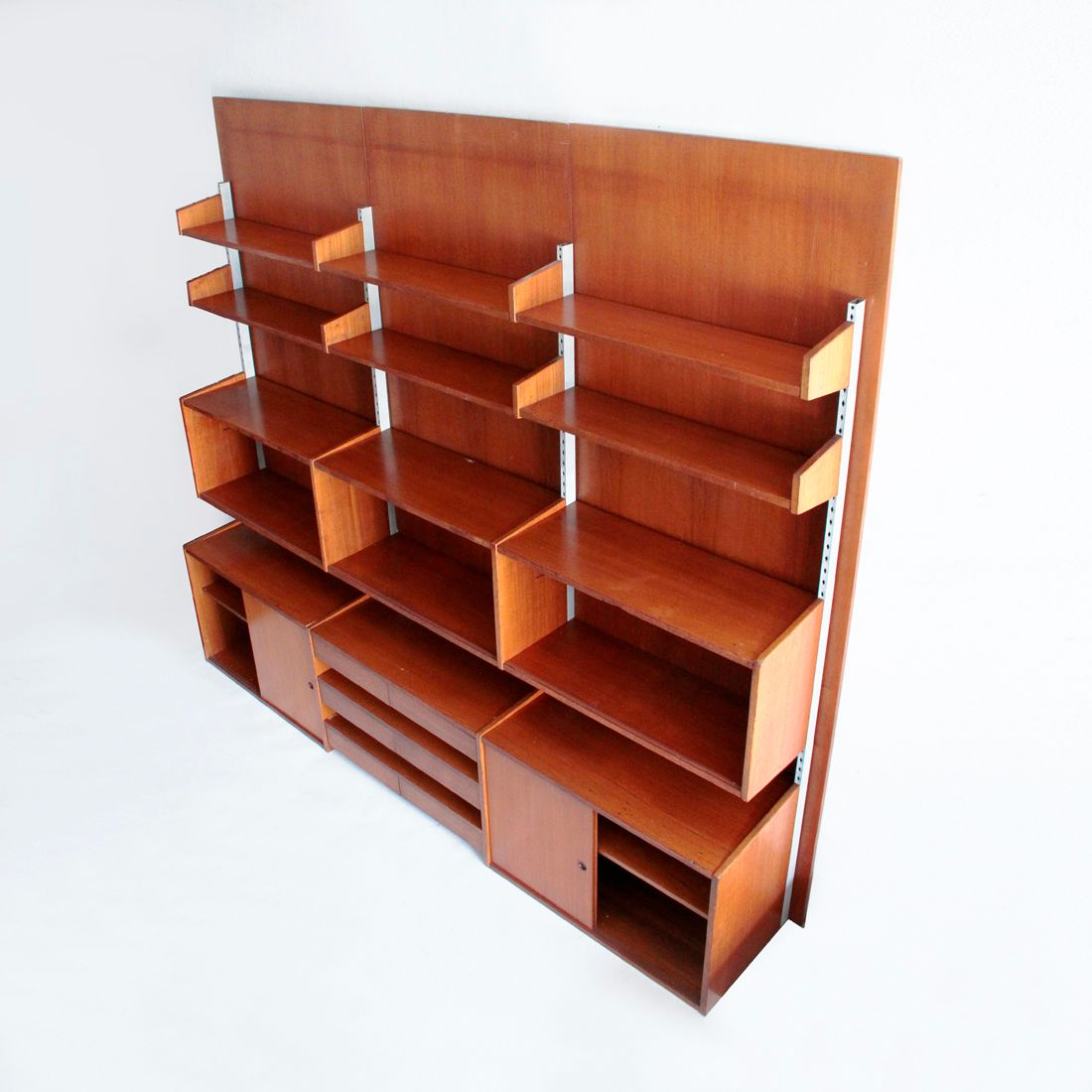 Marvelous photograph of Italian Mid Century Teak Wall Unit 1960s for sale at Pamono with #B56316 color and 1100x1100 pixels