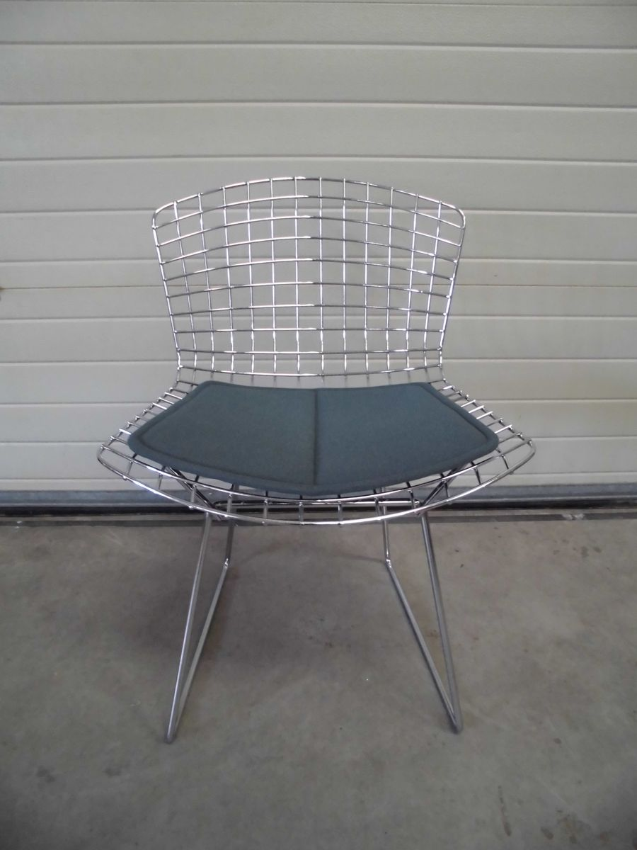 Side chairs by harry bertoia for knoll international set for Side chairs for sale