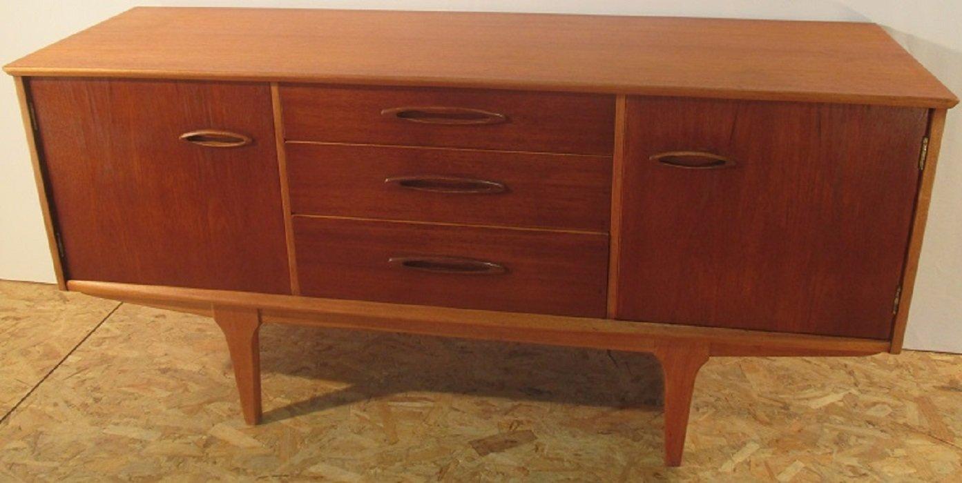 kleines sideboard in honigbraun von jentiques bei pamono. Black Bedroom Furniture Sets. Home Design Ideas