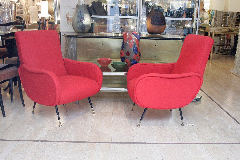 rote italienische sessel mit schwarzen f en 1950er 2er set bei pamono kaufen. Black Bedroom Furniture Sets. Home Design Ideas