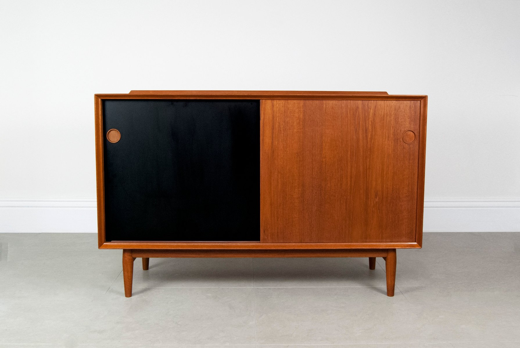 vintage danish teak sideboard by arne vodder for sibast for sale at pamono. Black Bedroom Furniture Sets. Home Design Ideas