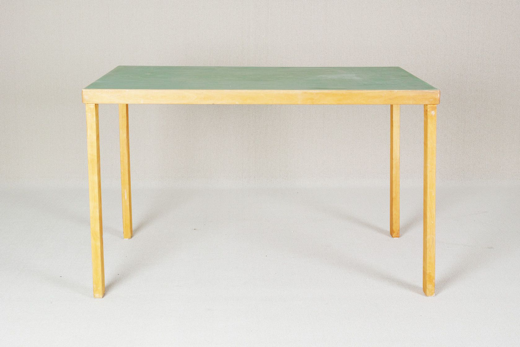vintage tisch von alvar aalto f r huonekalu ja. Black Bedroom Furniture Sets. Home Design Ideas