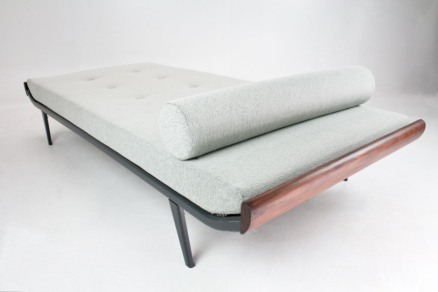 Dutch cleopatra day bed by dick cordemeijer for auping for Cleopatra sofa bed