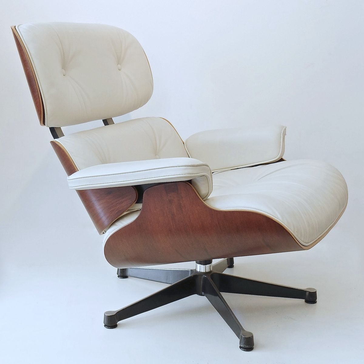German white swivel chair by charles eames for vitra for Eames chair deutschland