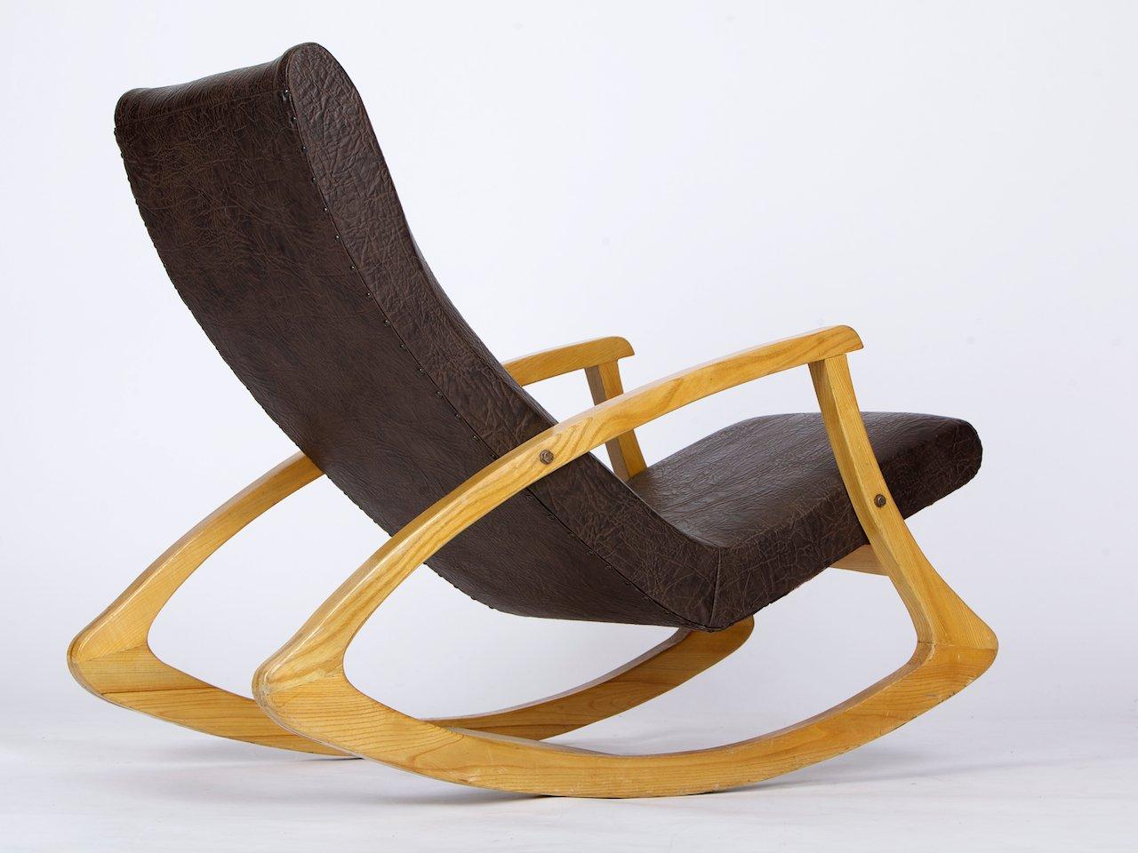 Tschechischer schaukelstuhl 1960er bei pamono kaufen for Schaukelstuhl auf englisch