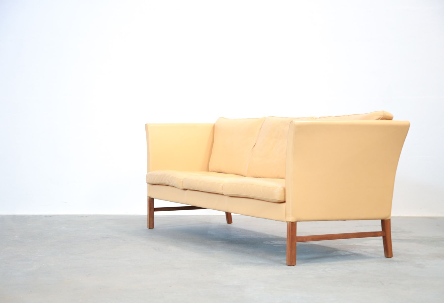 Danish beige leather 3 seater sofa 1970s for sale at pamono for Sofa 6 seater