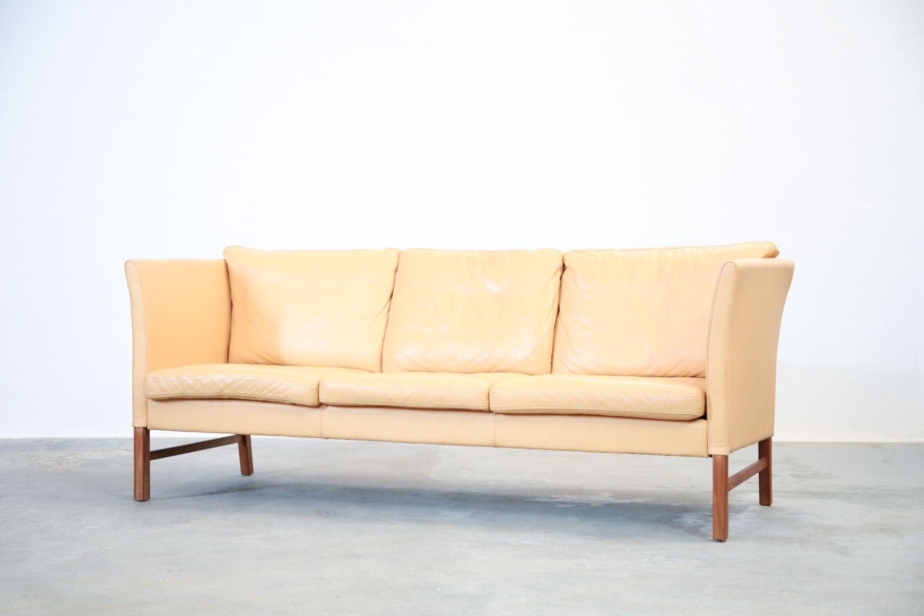 d nisches 3 sitzer ledersofa in beige 1970er bei pamono. Black Bedroom Furniture Sets. Home Design Ideas