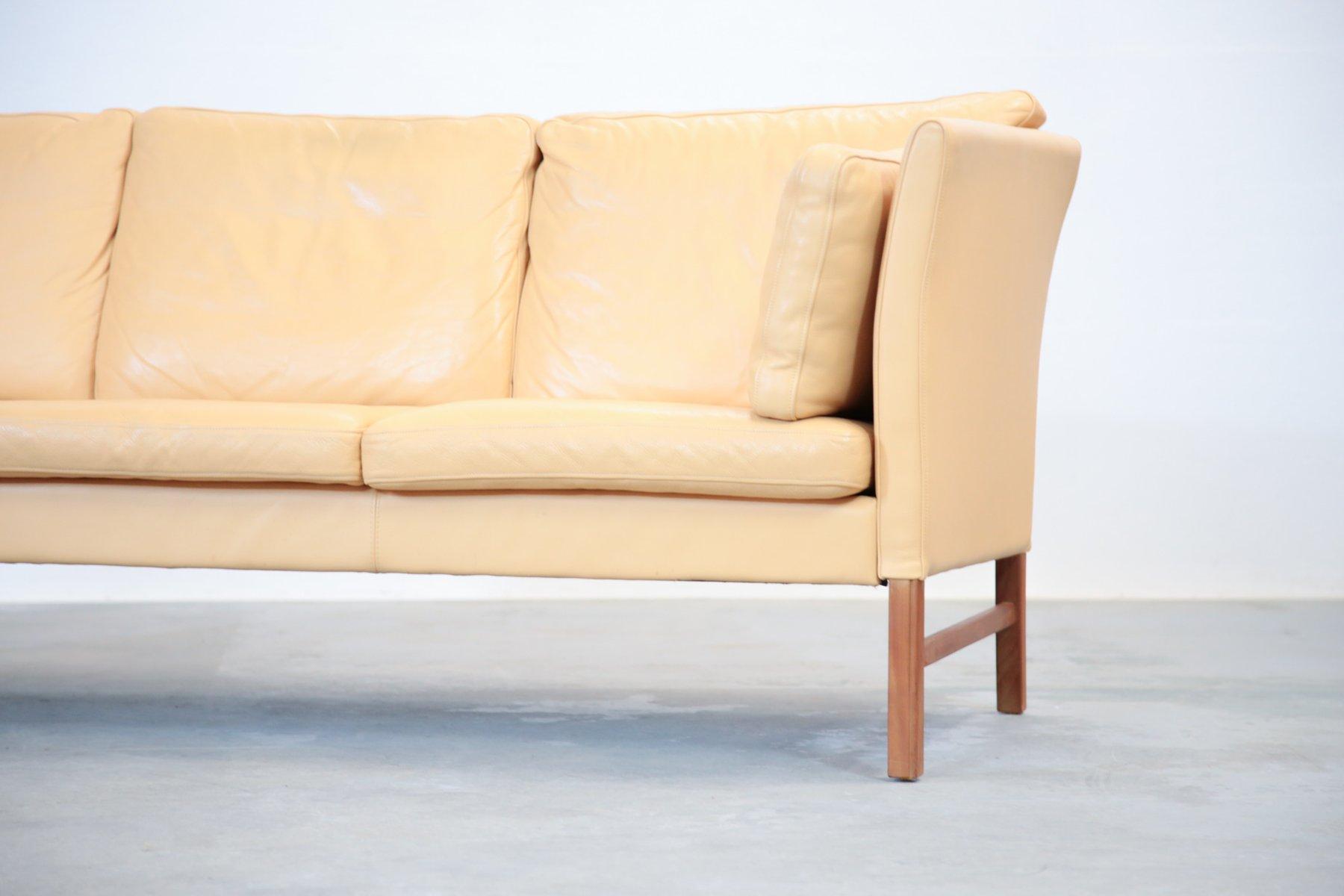 d nisches 3 sitzer ledersofa in beige 1970er bei pamono kaufen. Black Bedroom Furniture Sets. Home Design Ideas