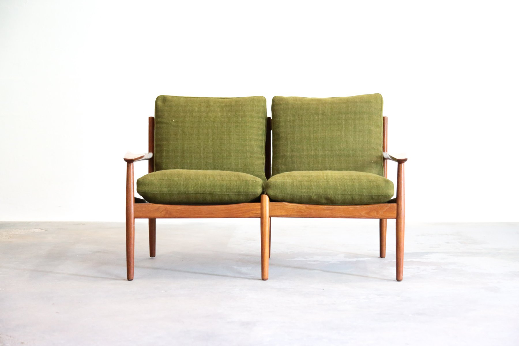 Small Danish 2 Seater Teak Bench by Arne Vodder for Glostrup