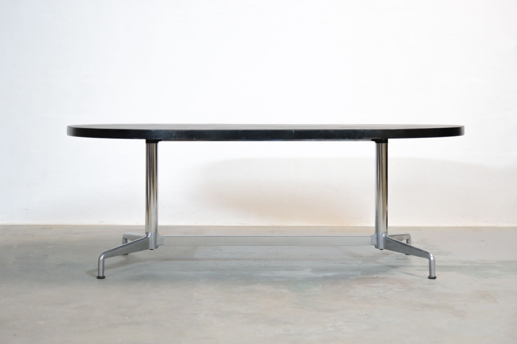 Grande table de salle manger par giancarlo piretti for Grande table salle manger 3m