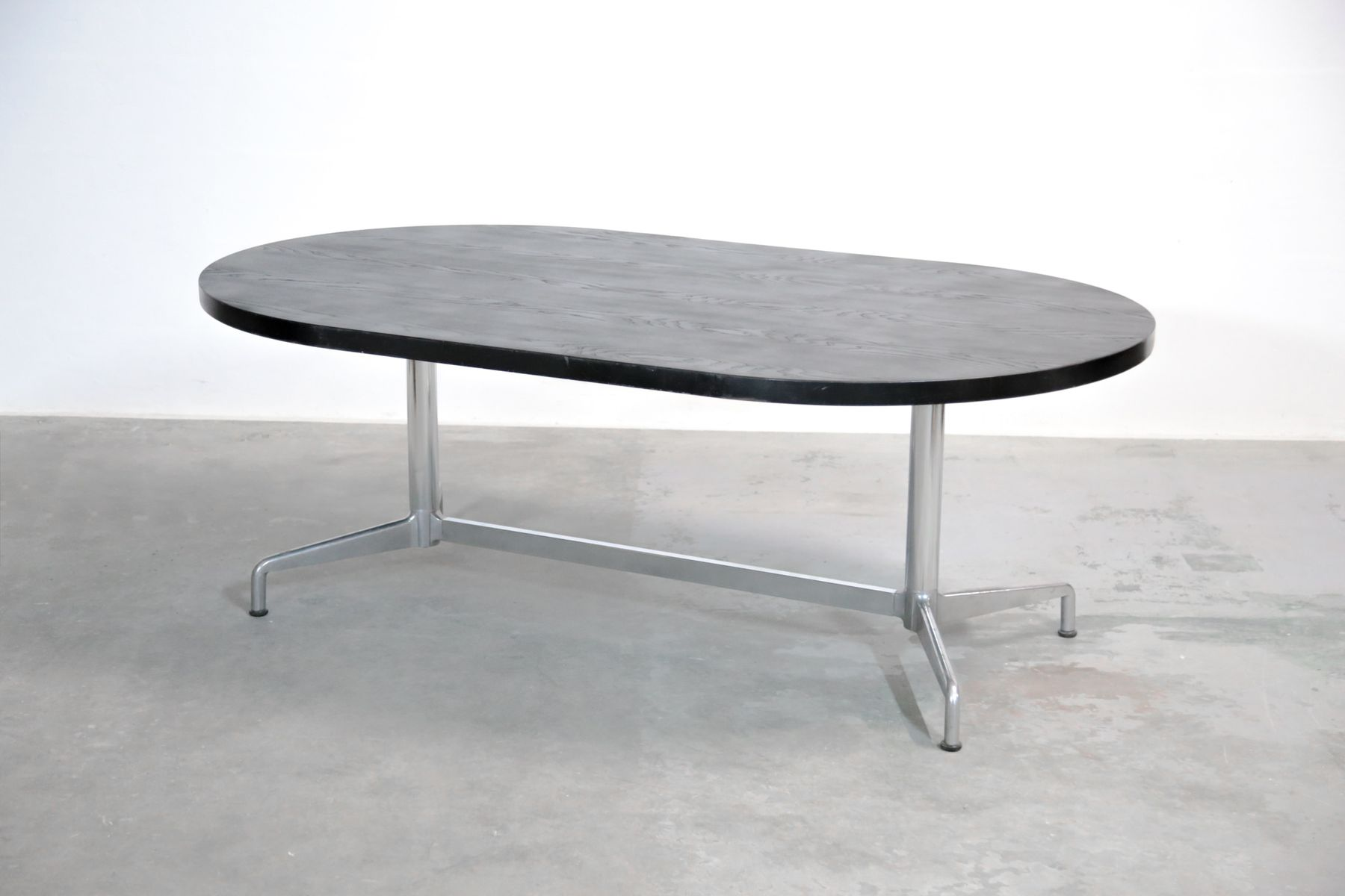 Grande table de salle manger par giancarlo piretti for Grande table de salle a manger 8 personnes