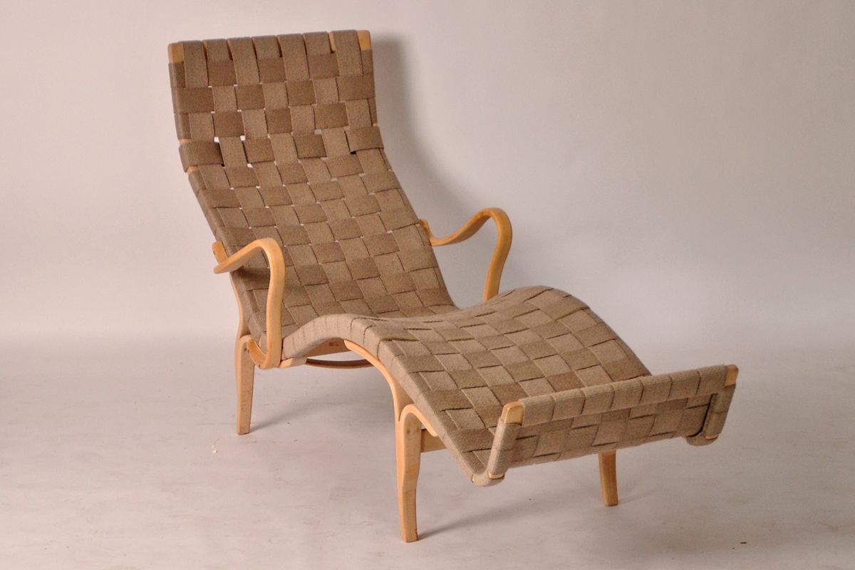 Molded beech chaise longue with webbing by bruno mathsson for Chaise longue for sale ireland