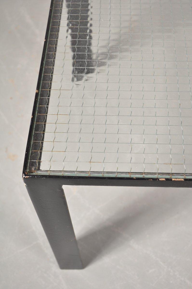 Petite table basse noire avec le plateau en verre 1960s - Petite table basse noire ...