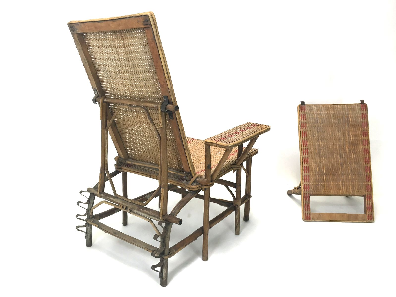 French wicker and bamboo chaise longue with footrest for Bamboo chaise lounge