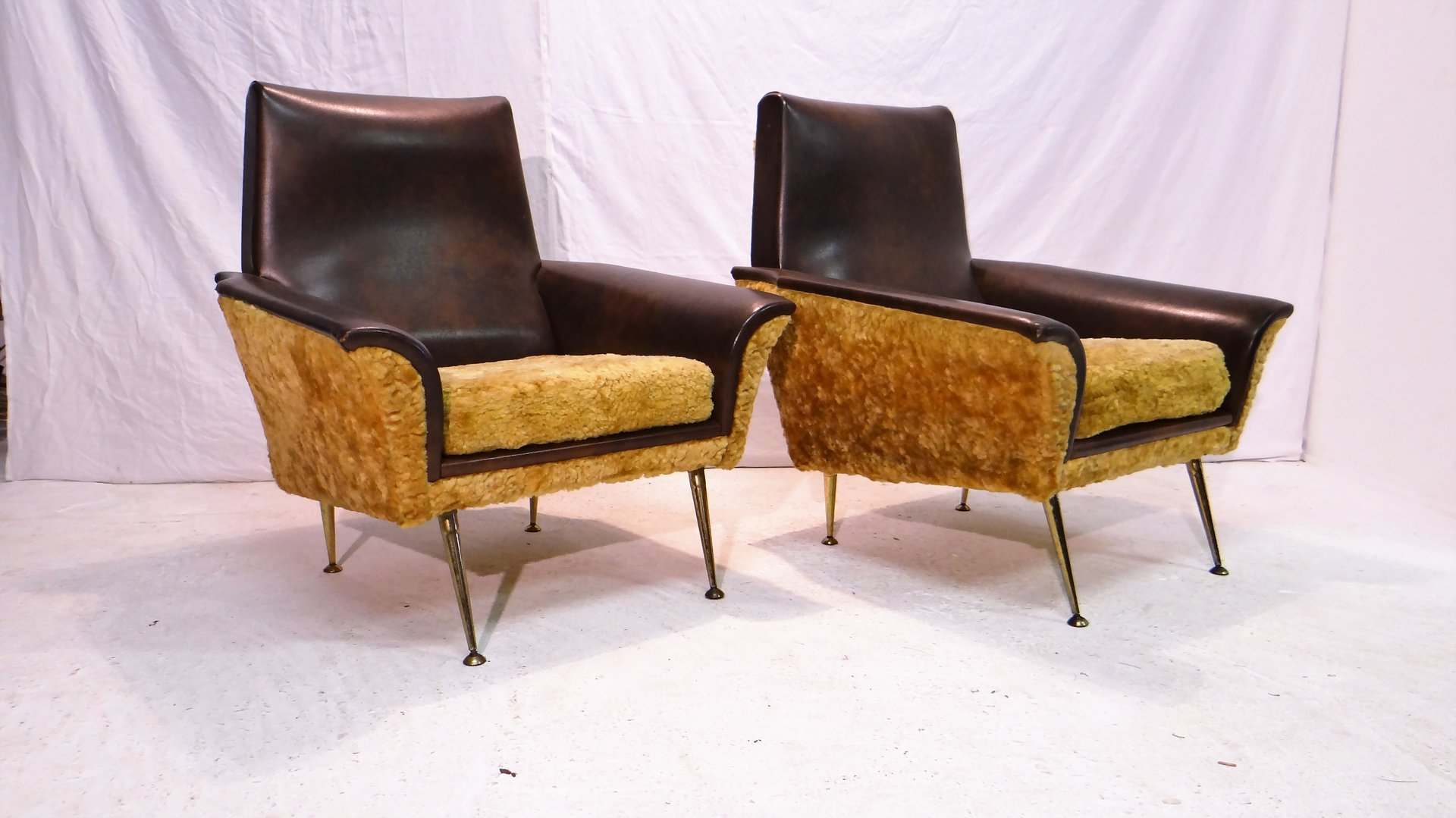 Italian Vinyl & Wool Lounge Chairs 1950s Set of 2 for sale at Pamono