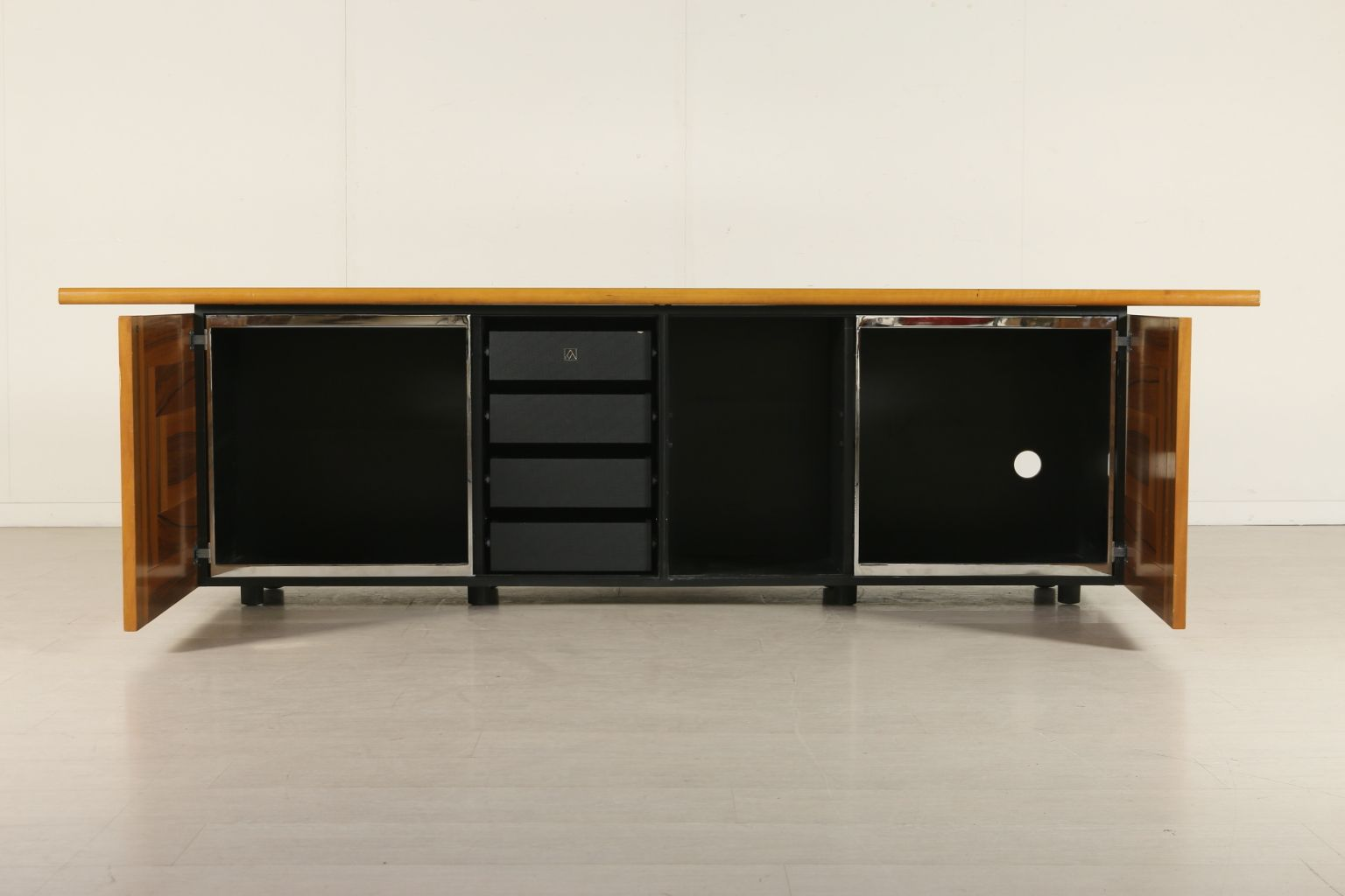 sheraton sideboard mit schiebet ren von giotto stoppino f r acerbis 1970 bei pamono kaufen. Black Bedroom Furniture Sets. Home Design Ideas