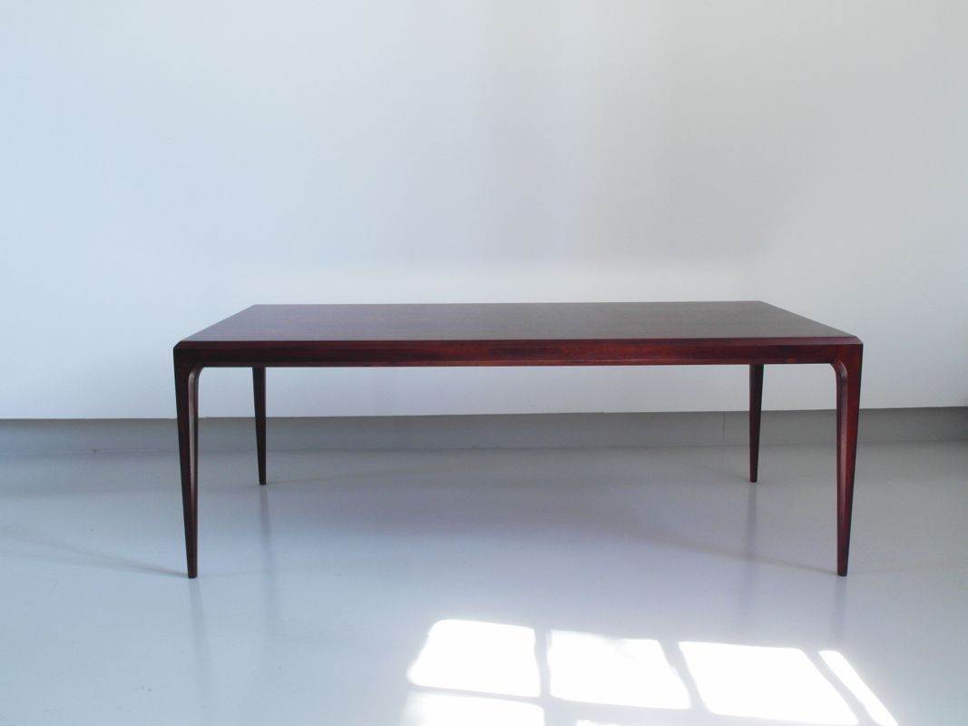 Danish Minimalist Rosewood Coffee Table By Johannes Andersen For Cfc Silkeborg 1960s For Sale