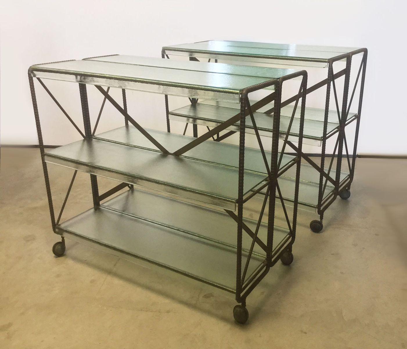 italienische mid century beistelltische mit ablage auf. Black Bedroom Furniture Sets. Home Design Ideas