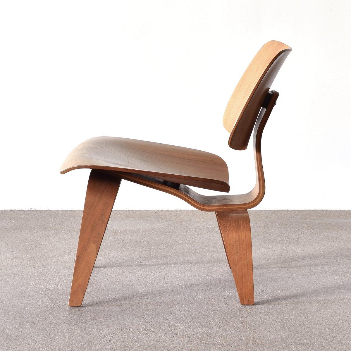 amerikanischer lcw nussholz lounge stuhl von charles ray. Black Bedroom Furniture Sets. Home Design Ideas