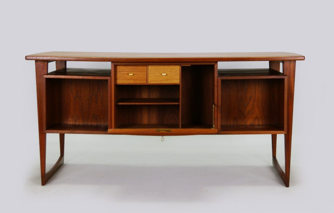 Danish Teak Desk With Bar 1960s For Sale At Pamono