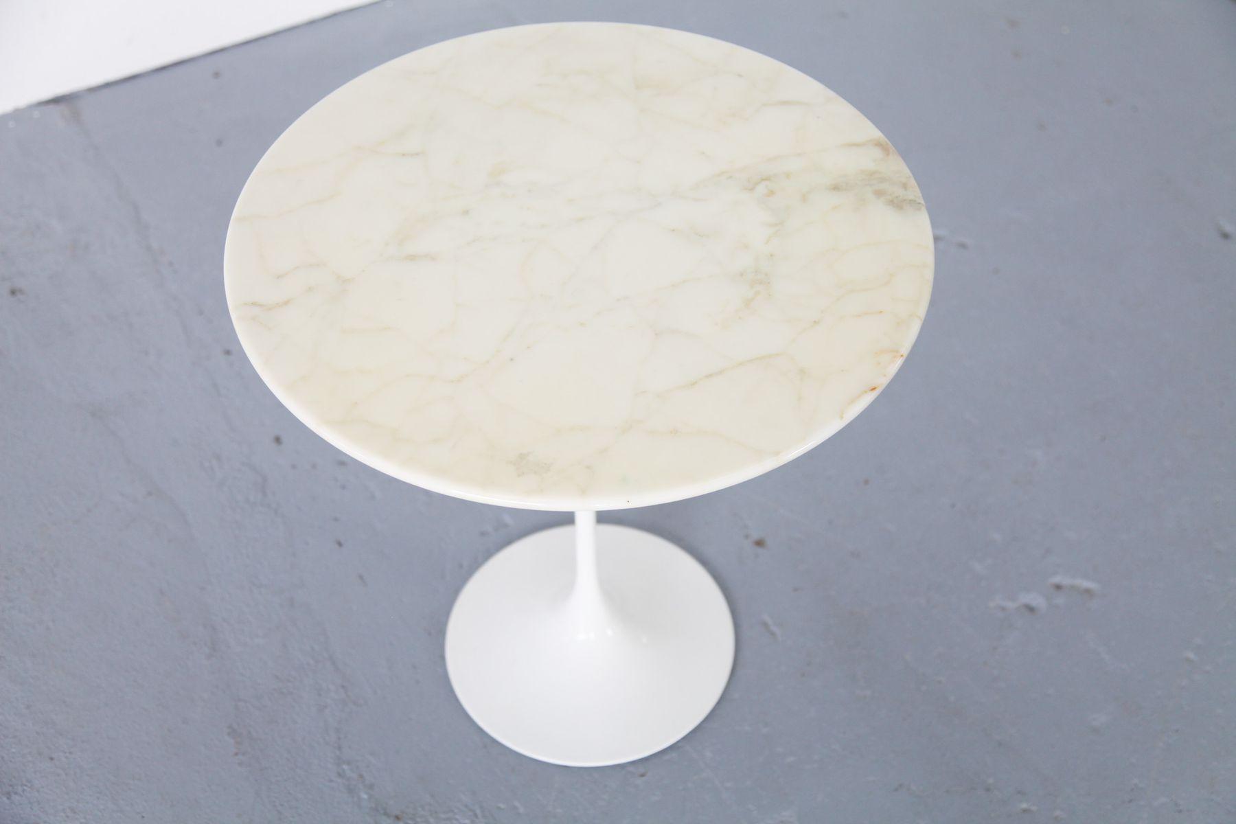 Beistelltisch mit marmorplatte von eero saarinen f r knoll for Beistelltisch marmorplatte