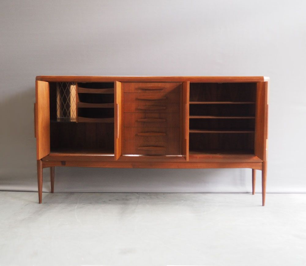 gro es sideboard von johannes andersen f r uldum m belfabrik 1960er bei pamono kaufen. Black Bedroom Furniture Sets. Home Design Ideas