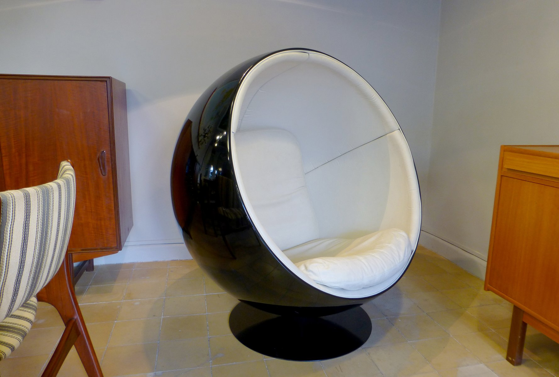 Black ball chair by eero aarnio for adelta for sale at pamono - Ball chair by eero aarnio ...