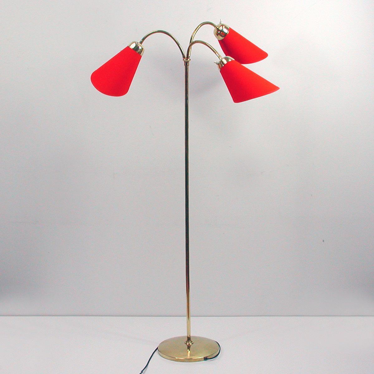 deutsche mid century stehlampe mit drei bogenleuchten bei. Black Bedroom Furniture Sets. Home Design Ideas