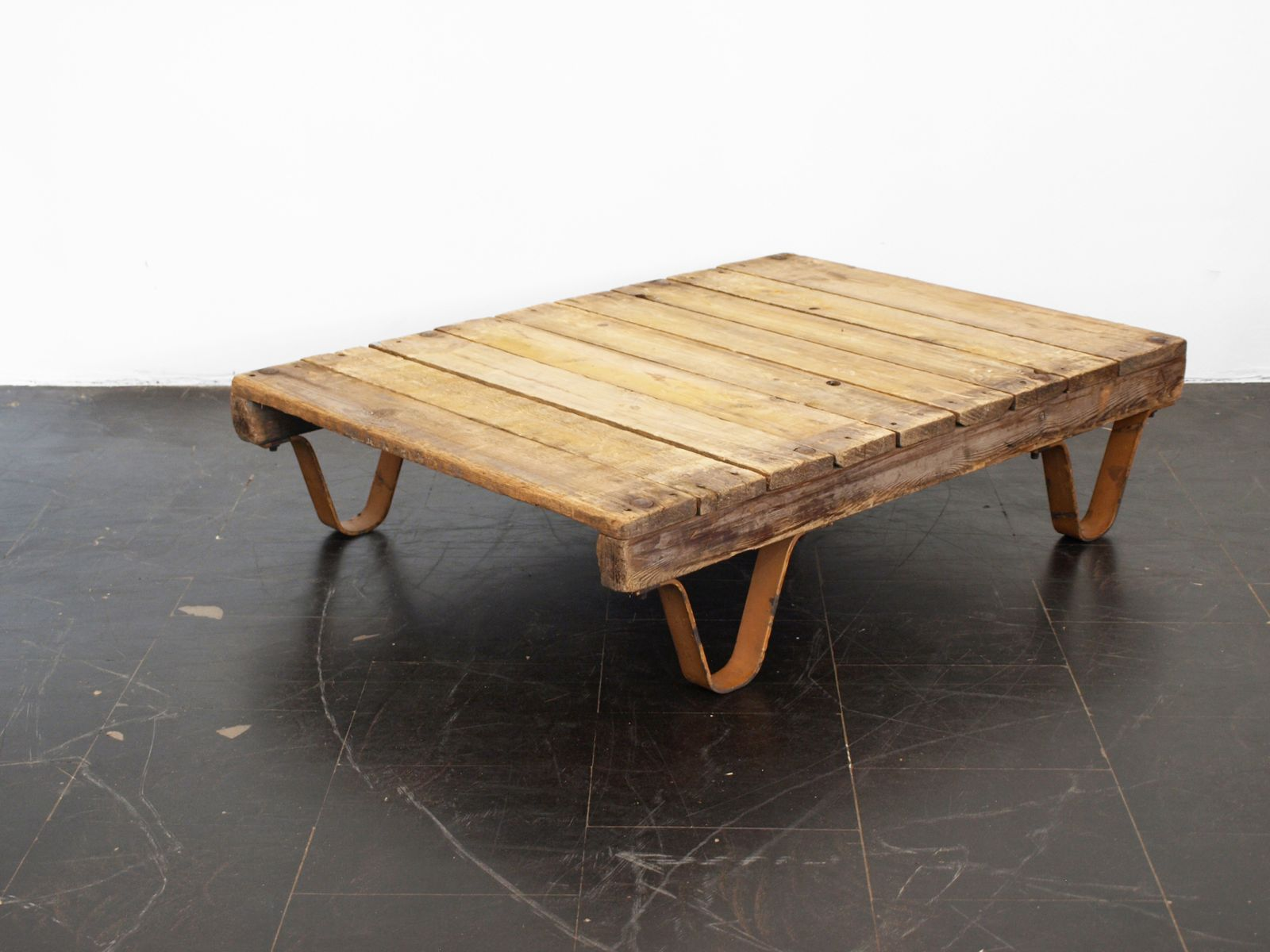 Industrial Pallet Coffee Table With Yellow Legs 1950s For Sale At Pamono