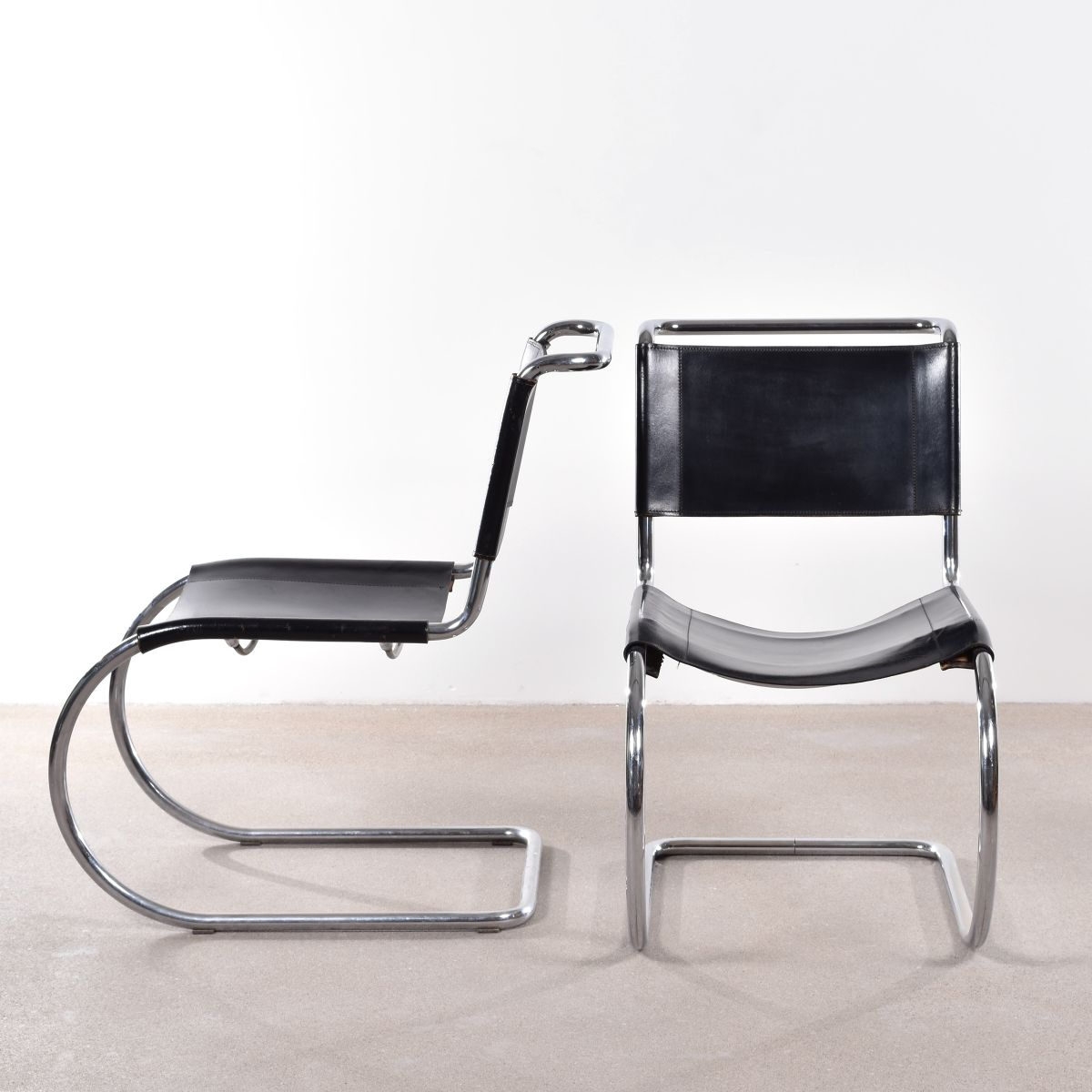 chaise luge vintage mr10 par ludwig mies van der rohe pour thonet en vente sur pamono. Black Bedroom Furniture Sets. Home Design Ideas