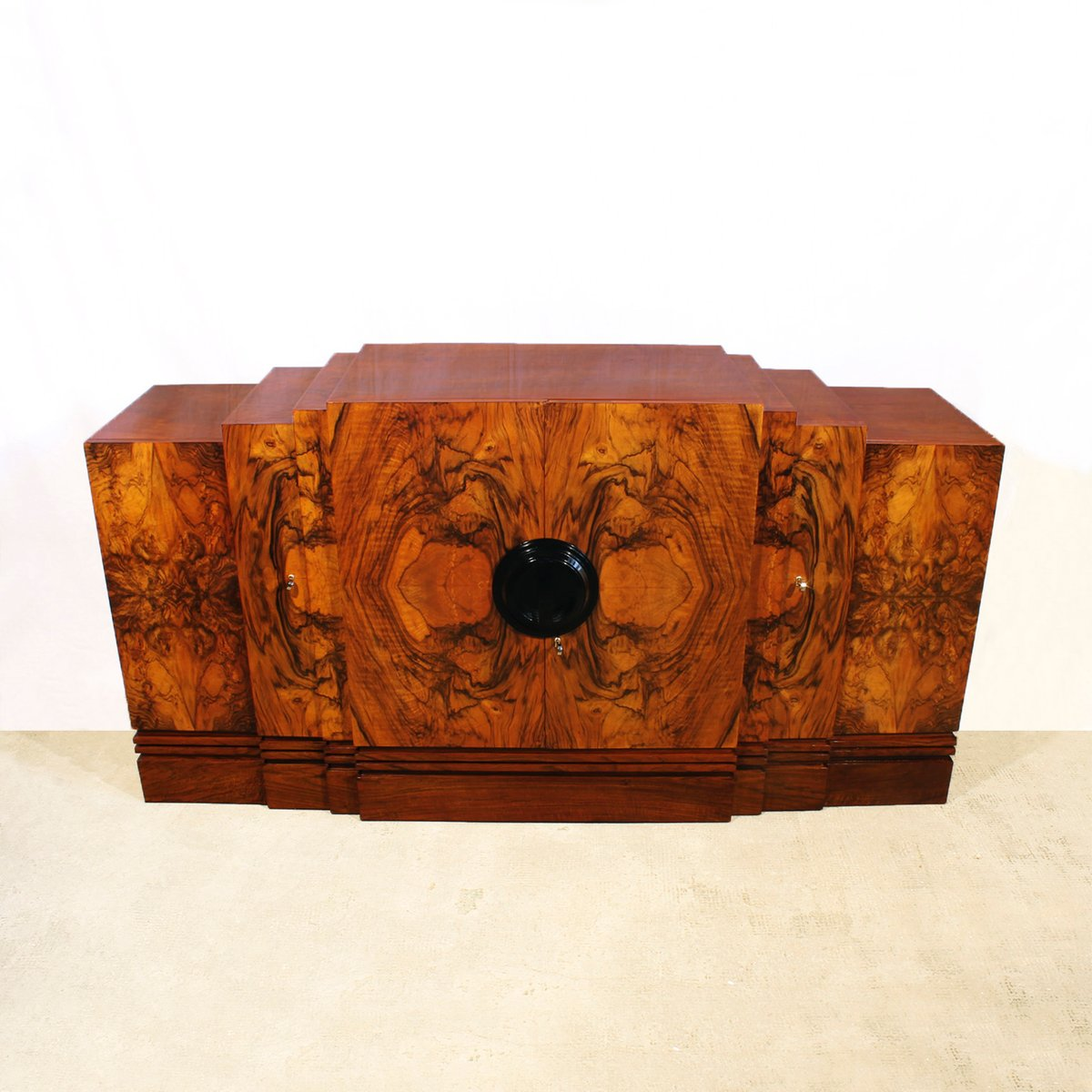 French art deco walnut sideboard 1930s for sale at pamono for Decoration maison 1930