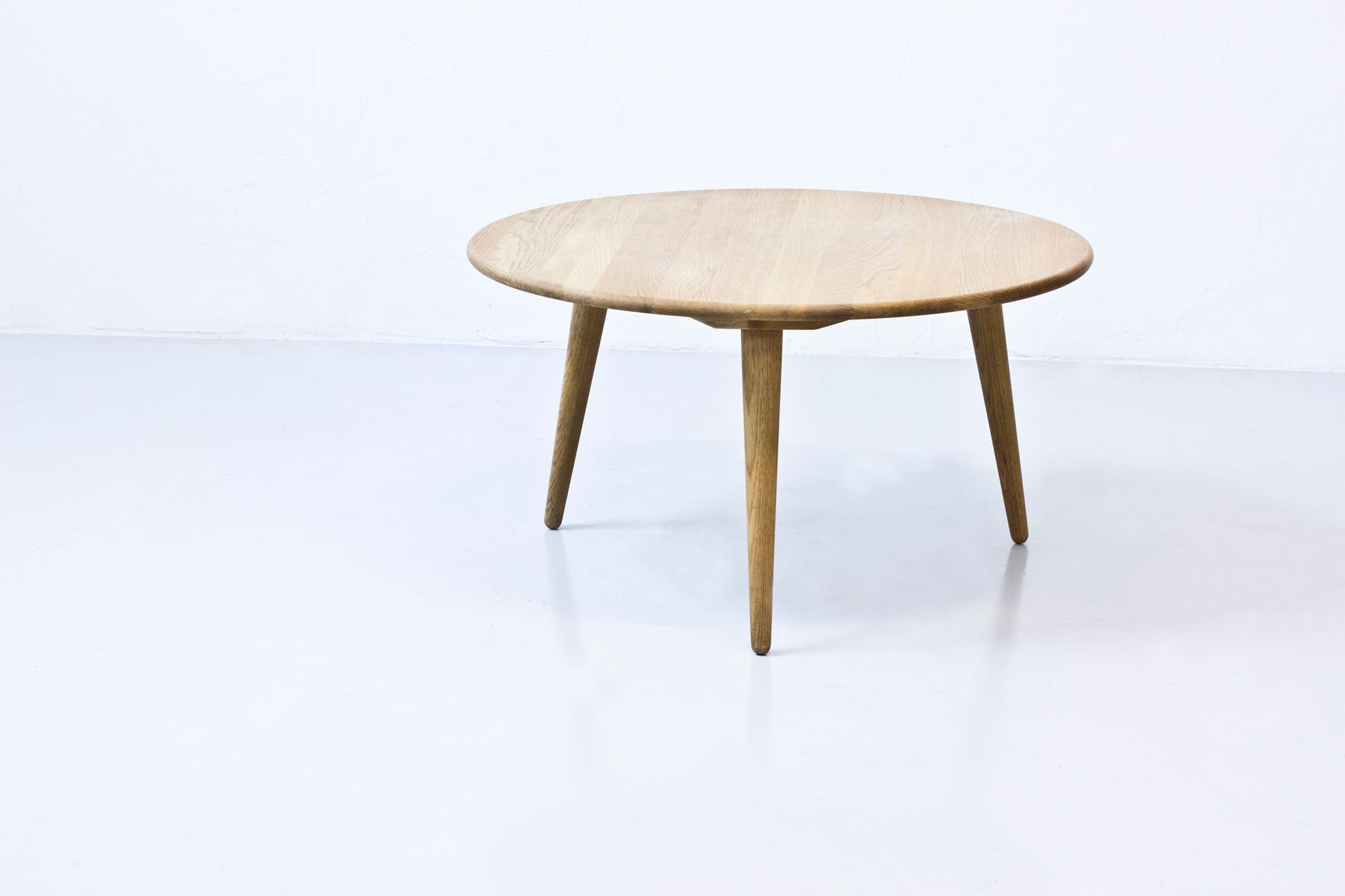 Danish round coffee table by hans j wegner for carl for Round coffee tables for sale