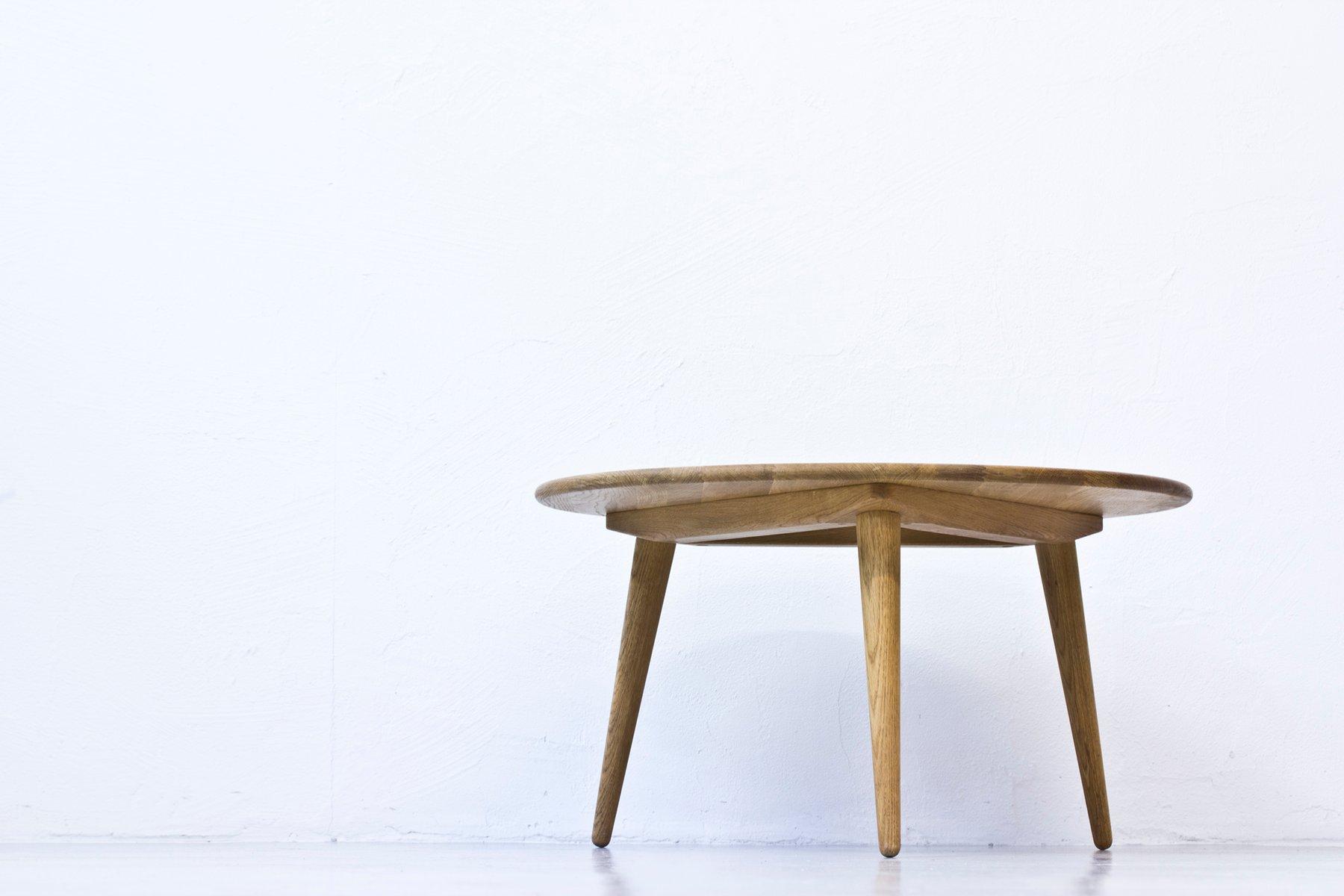 danish round coffee table by hans j wegner for carl hansen s